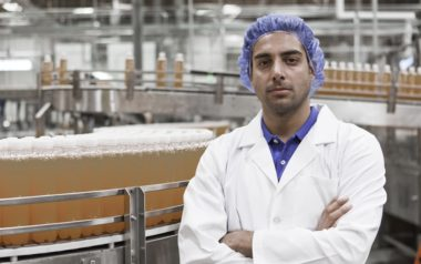 peristaltic pump to fill containers in food industry